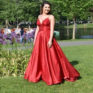 Sherri hill #51822 red prom dress gown w/ pockets